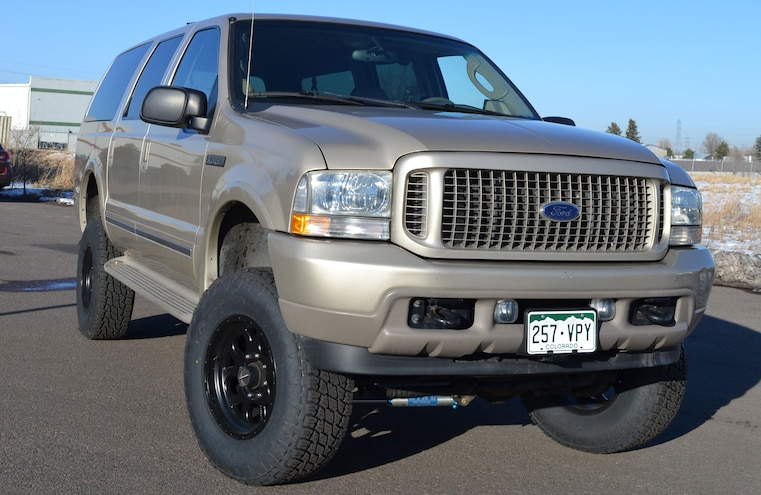 2004 Ford Excursion Front Three Quarter