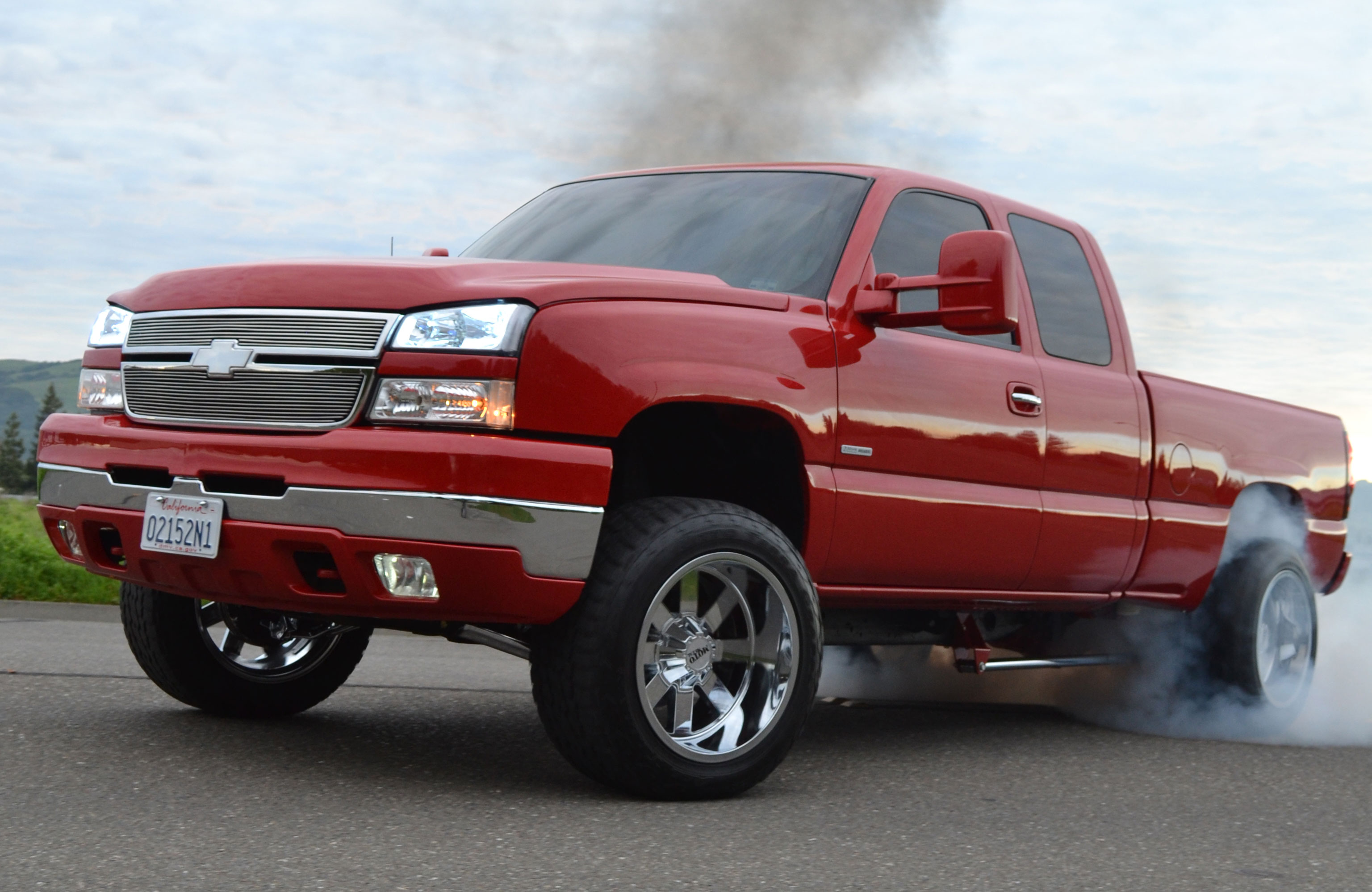 A 550hp 2004 Chevy 2500hd Duramax Stops Traffic Stomps The Competition