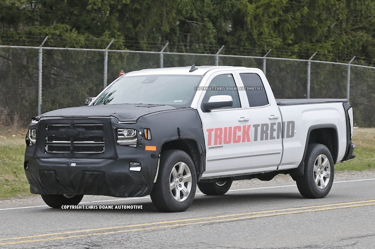 Spied! 2016-2017 Chevrolet, GMC 1500, HD Trucks