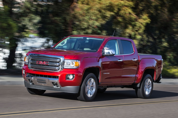2016 GMC Canyon SLE Front Three Quarter In Motion 02