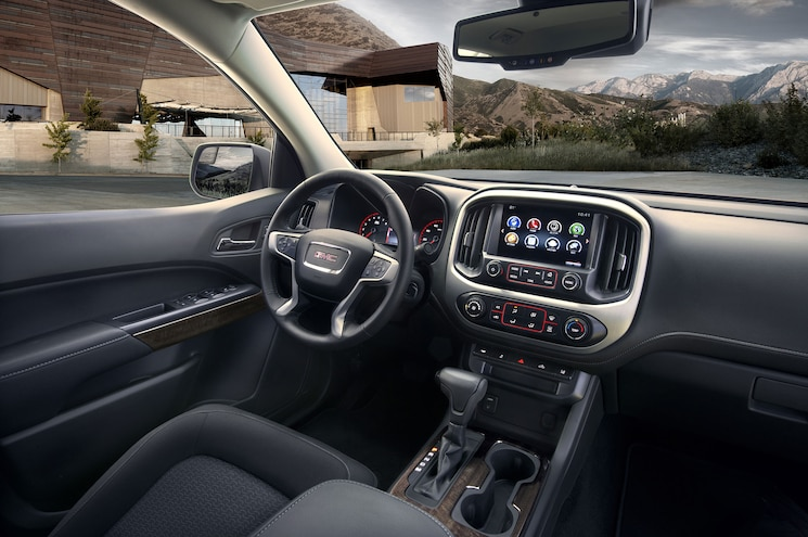2016 GMC Canyon Extended Cab SLT Cabin
