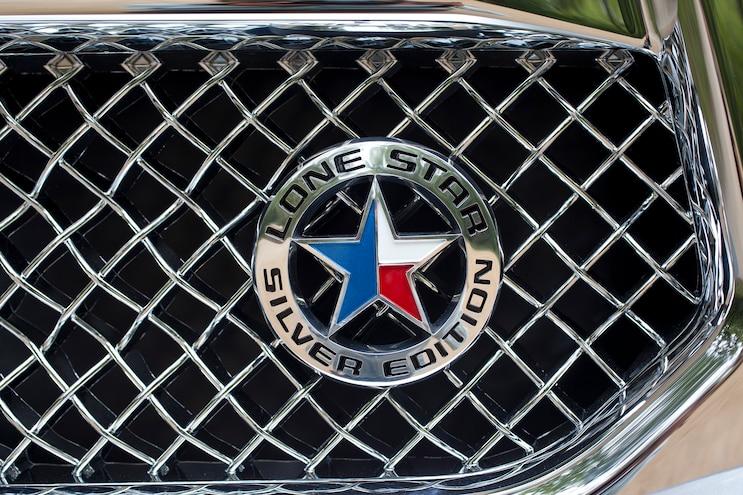 Auto News 8 Lug Work Truck Ram Lone Star Silver Edition 1500 Emblem Badging
