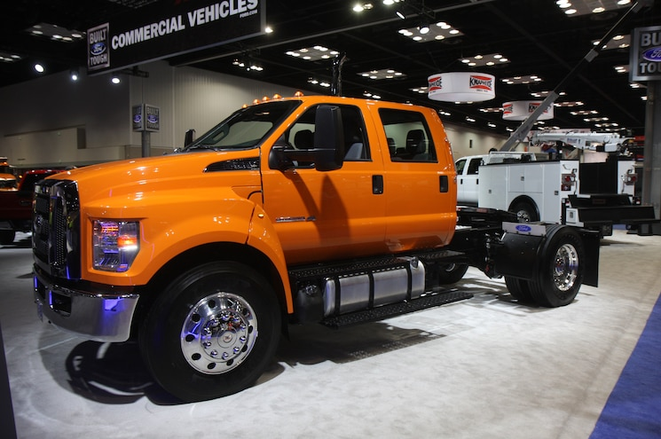 Ford F 750 Chassis Hauler Configuration