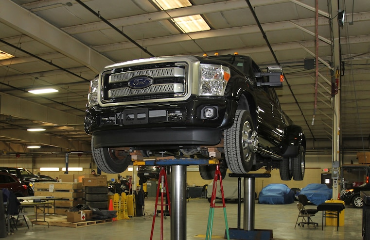 2015 Ford F 450 On Lift Front