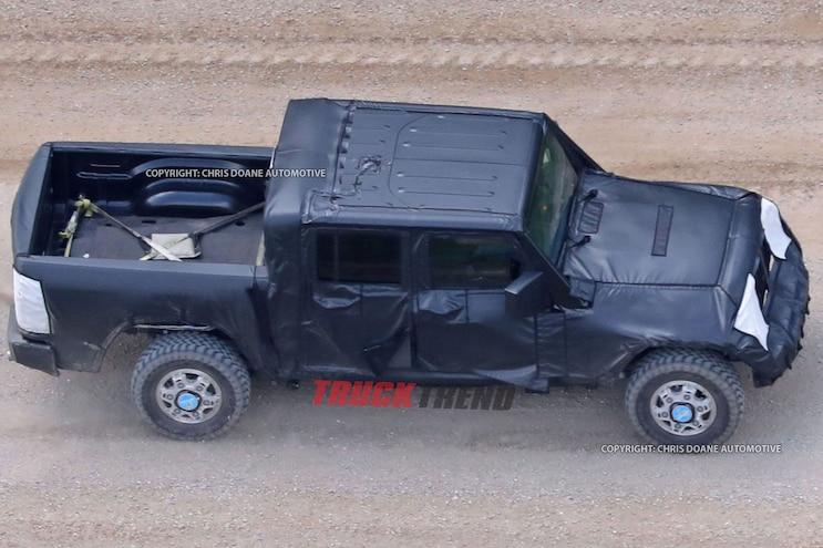 2019 Jeep Wrangler Jl Pickup Spyshots 06
