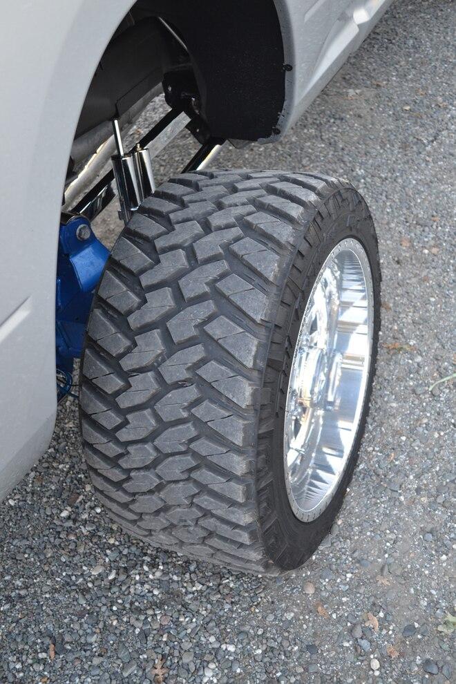 2013 Ram 2500 Silver Streak 008 Tires