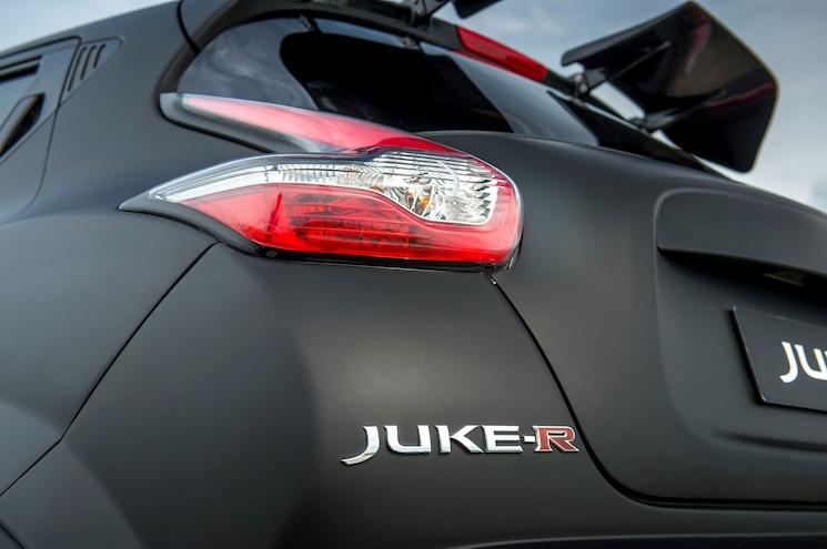 Nissan Juke R 2 0 Badge