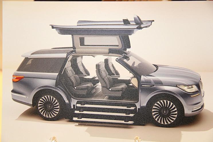 2017 Lincoln Navigator Concept Display Rendering