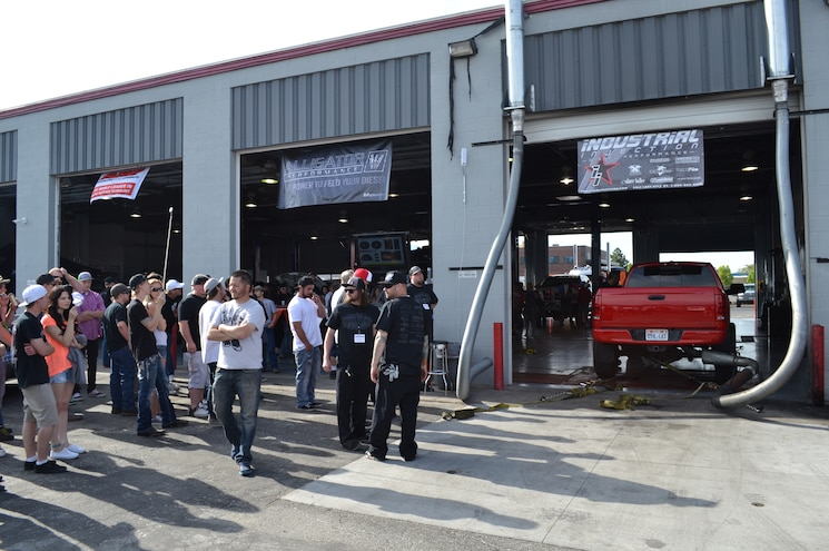 2015 Dyno Day Crowd At Industrial Injections Non Loaded Dynojet