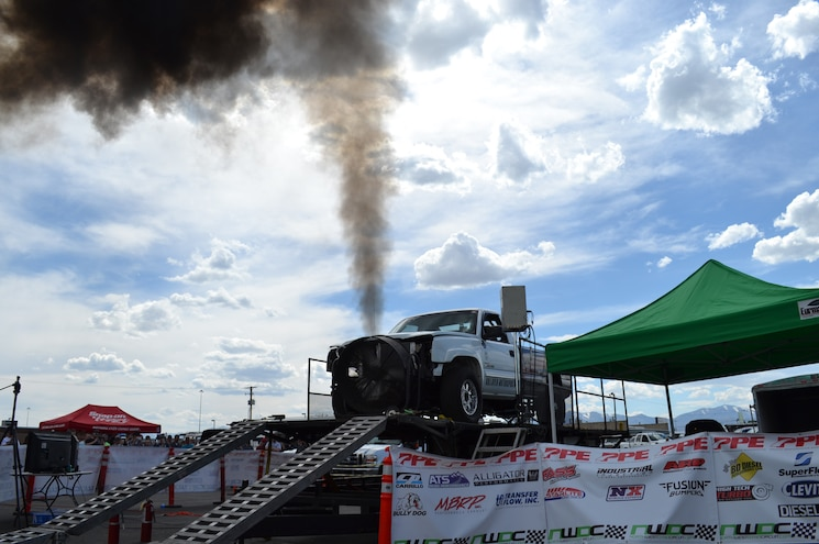 2015 Dyno Day Truck 12 Valve Engine Exhaust Cloud At 1550hp