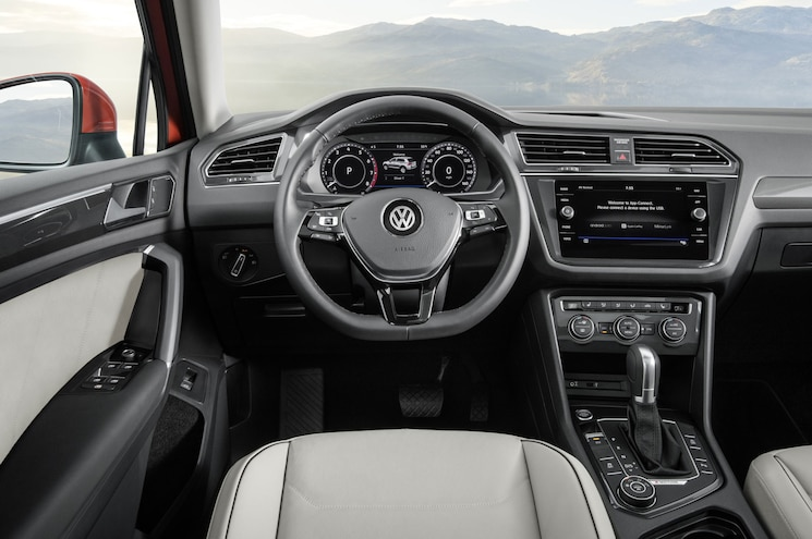 2018 Volkswagen Tiguan Us Spec Interior Dashboard