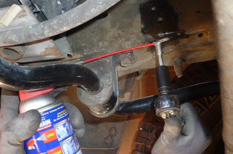 2002 Ford E 350 Tapping Holes For Stabilizer Assembly Hardware