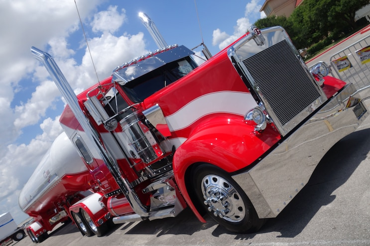Super Rigs Red Kenworth Front