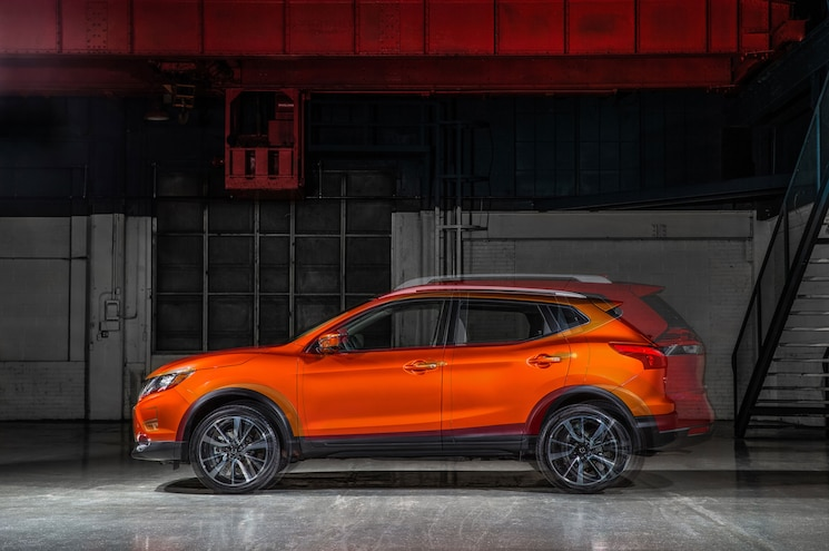 2018 Nissan Rogue Sport And Rogue 01