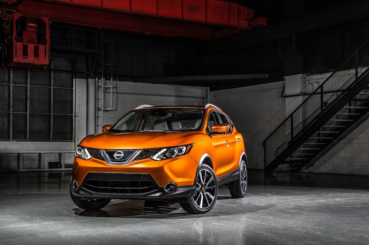 Nissan Releases 2017 Rogue Sport Five-Seat Crossover Pricing