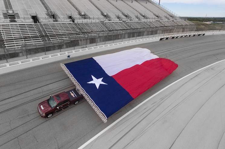 2017 Chevrolet Silverado Hd Texas Flag Track View Overhead