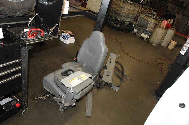 Dpc2015 2006 Ford F250 Rollcage Install Interior Removal