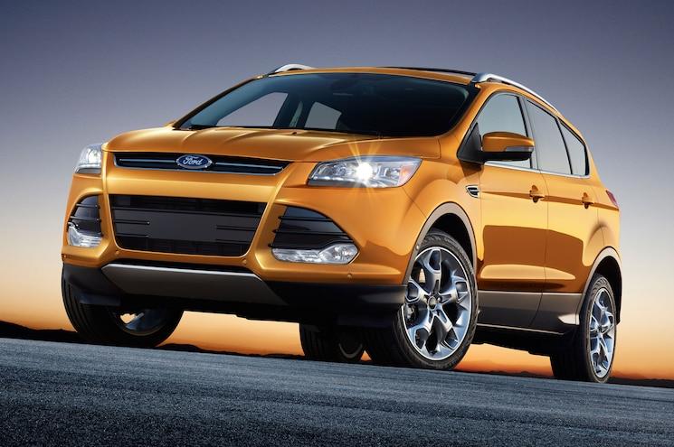 2016 Ford Escape Front Three Quarter 01