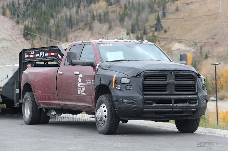 2018 Ram 3500 Heavy Duty Front Quarter 01