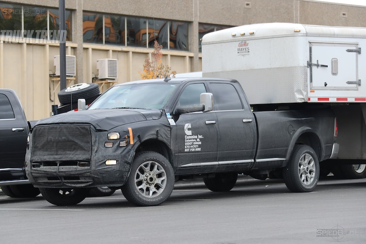 2018 Ram 3500 Heavy Duty Front Quarter 02
