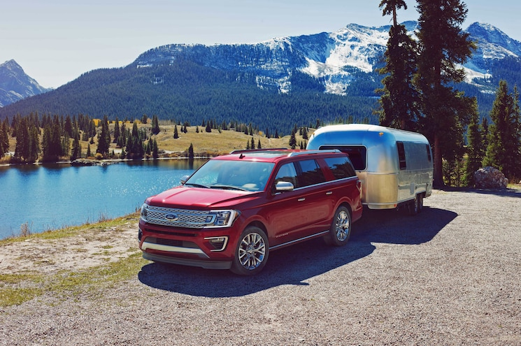 2018 Ford Expedition Max Exterior Front Quarter With Trailer