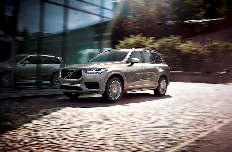 2016 Volvo XC90 Suv Driver Side Front View