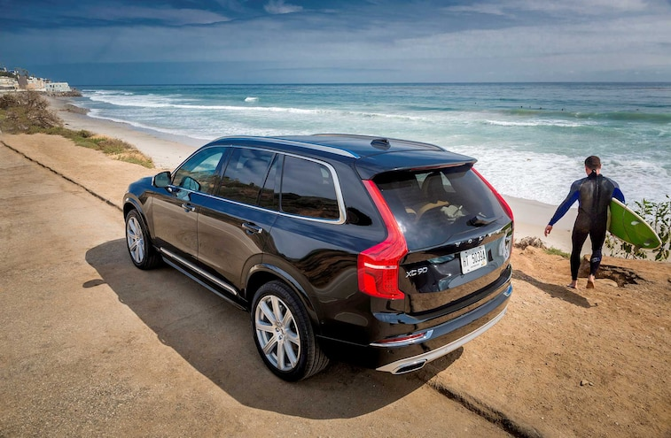 2016 Volvo XC90 Suv Driver Side Rear Quarter View