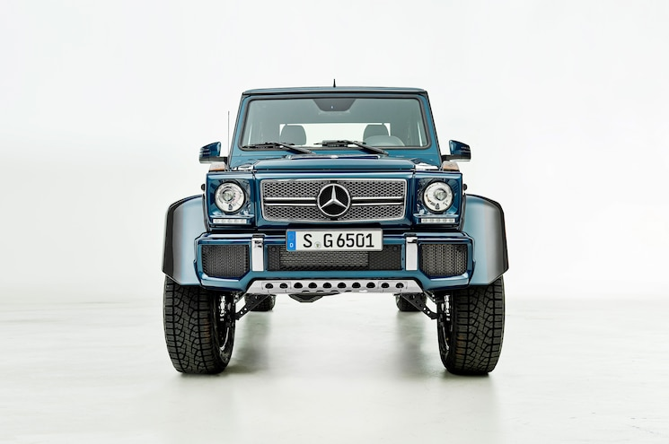 2017 Mercedes Maybach G650 Landaulet Front View 01