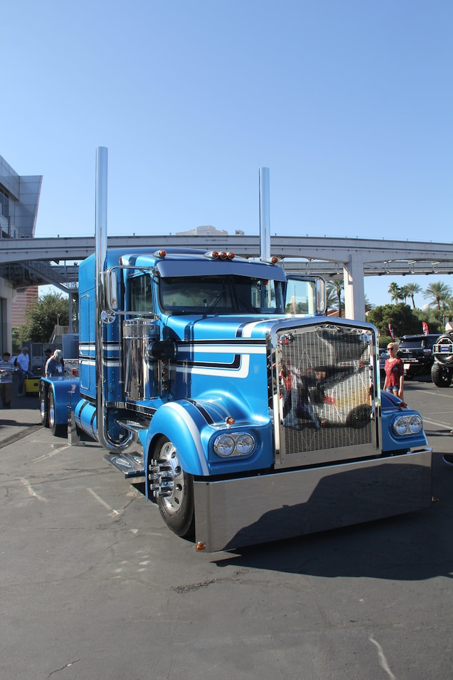 Sema Big Rigs 12 Gauge Customs