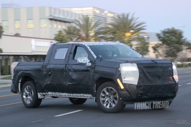 SPIED: 2019 Chevrolet Silverado 1500 in La La Land
