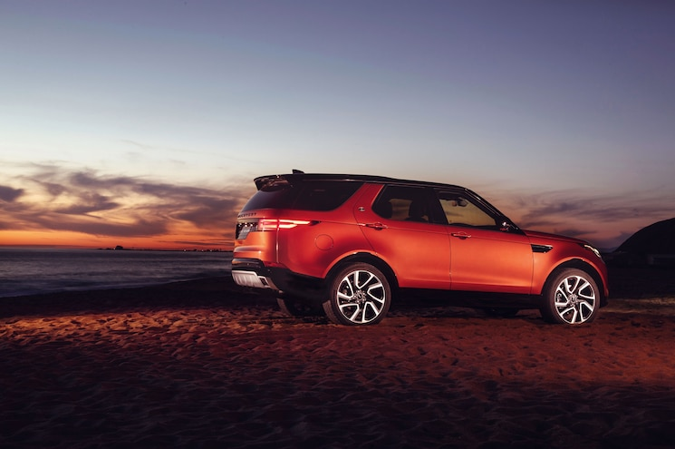 2018 Land Rover Discovery Dynamic 03