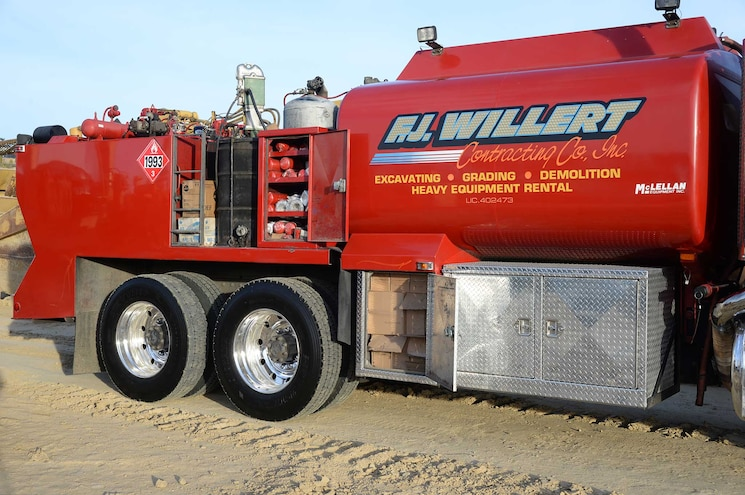1995 Peterbilt 378 Mcclellan Super Luber Service Body Truck Todd Lemke Fj Willert Construction