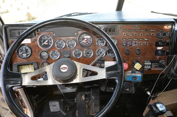 1995 Peterbilt 378 Dash Dashboard Gauges Mcclellan Super Luber Service Body Truck Todd Lemke Fj Willert Construction