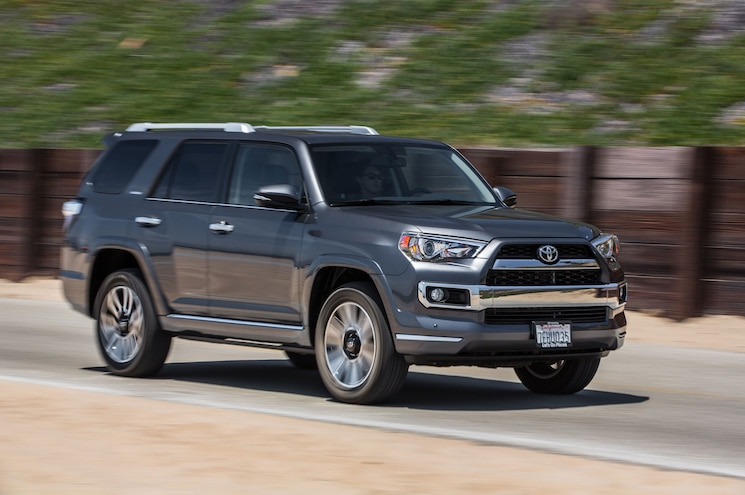 2015 Toyota 4Runner Limited Front Three Quarter In Motion 01