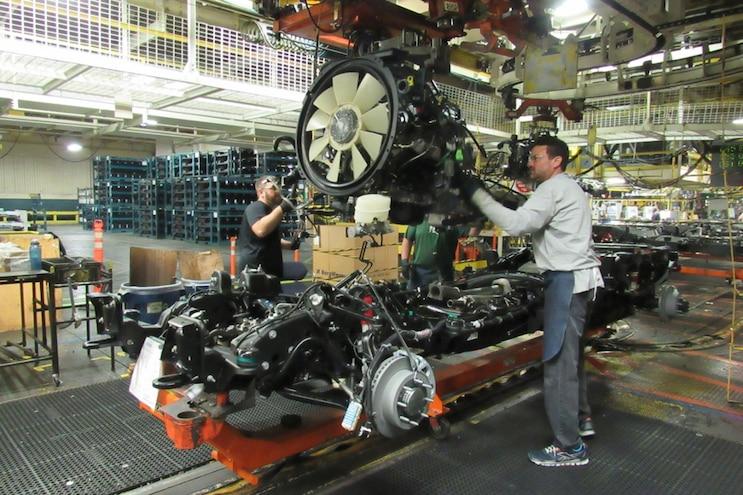 Auto News 8 Lug Work Truck Gm Duramax Dmax 6.6L V8 Diesel 2 Million