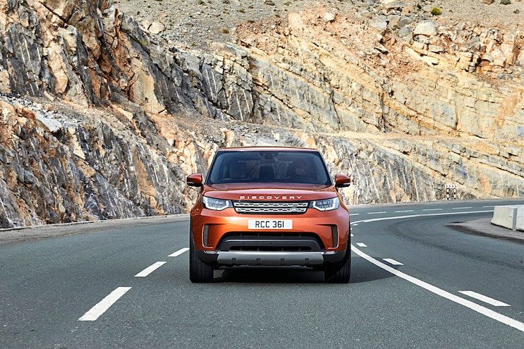 007 2017 Land Rover Discovery First Drive
