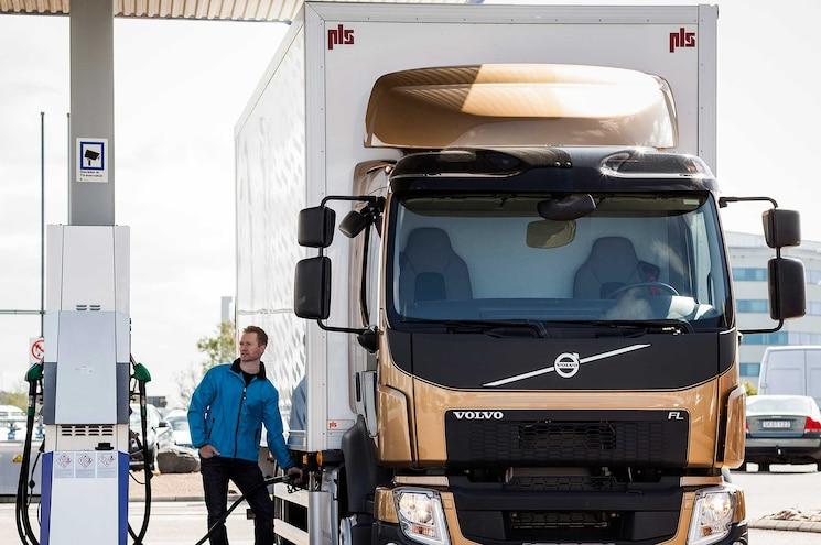 Auto News Work Truck Volvo Emissions Epa Mpg