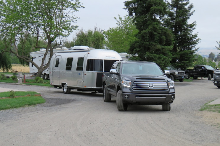 Airstream Sport 22FB And 2017 Toyota Tundra 004