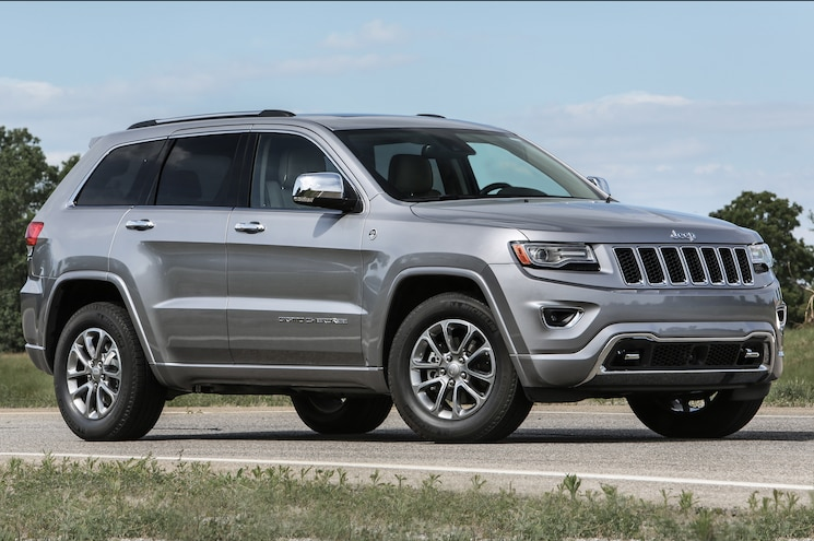 2016 Jeep Grand Cherokee Overland Front Three Quarter