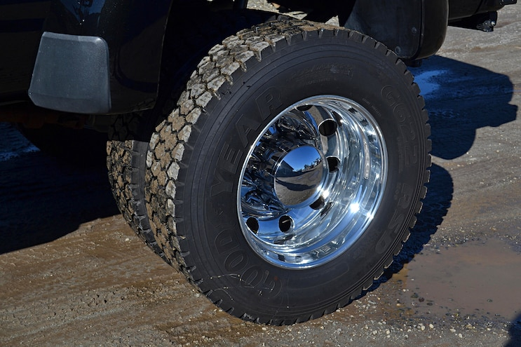 Dark Knight 2015 Ford F 350 015 Rear Wheels