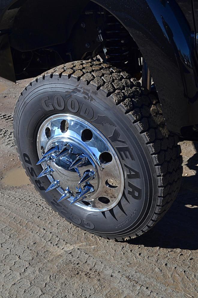 Dark Knight 2015 Ford F 350 014 Front Wheels