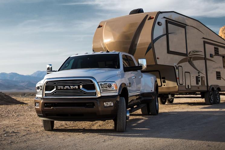 Shots Fired: 2018 Ram 3500 Gets 930 lb-ft of Torque, 30k Fifth-Wheel Hitch