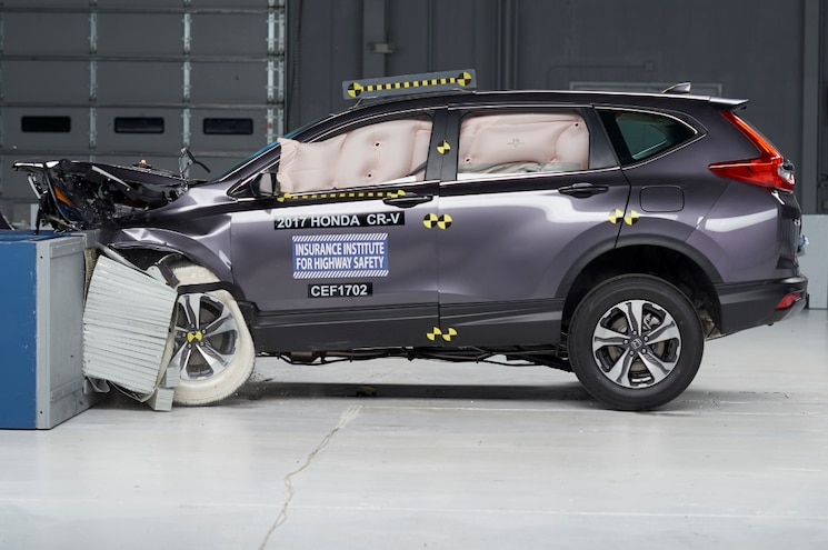 2017 Honda CR-V Named Top Safety Pick Plus by IIHS