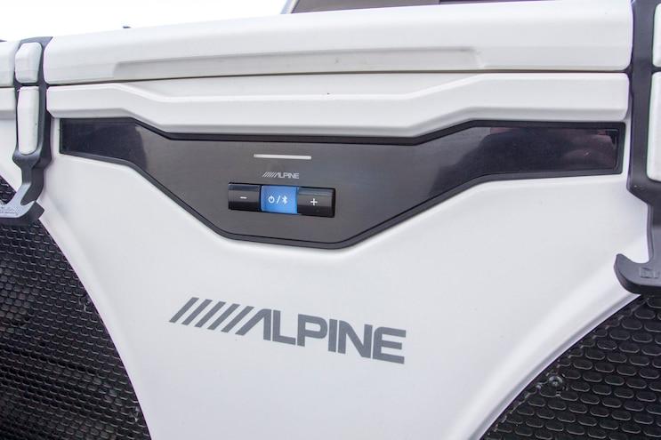 Alpine Ice Bluetooth Cooler 003