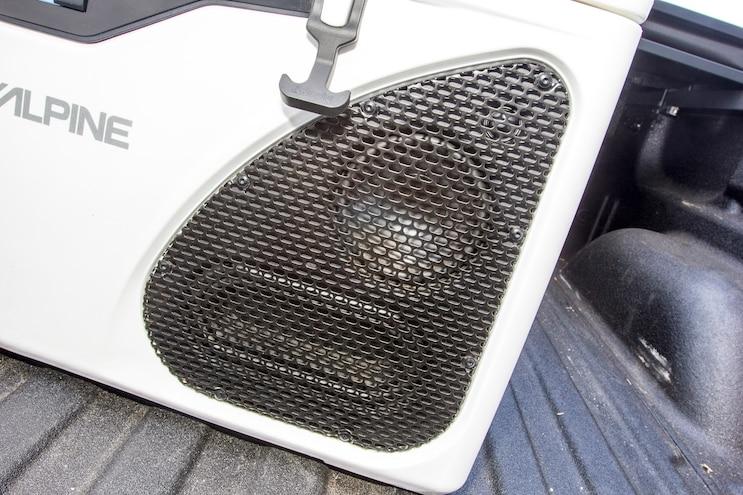 Alpine Ice Bluetooth Cooler 002