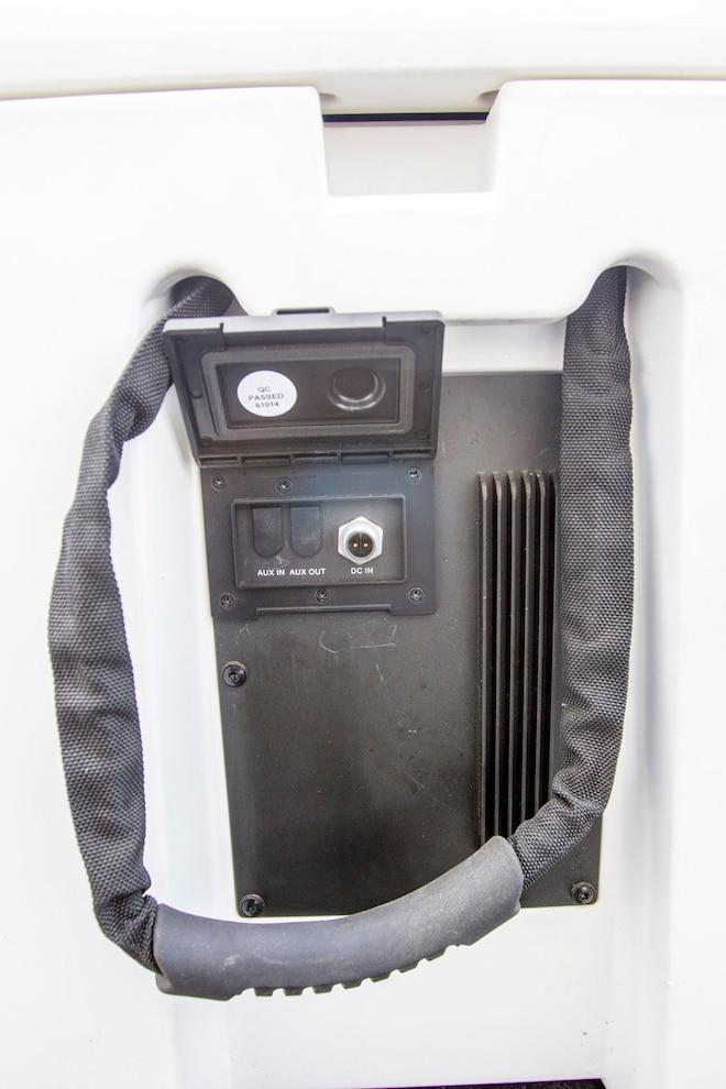 Alpine Ice Bluetooth Cooler 005