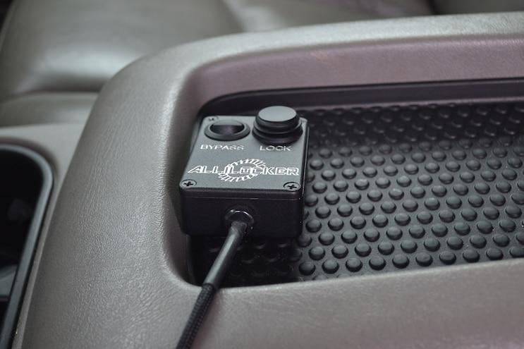 009 2006 Gmc Sierra 2500hd Lockup Box
