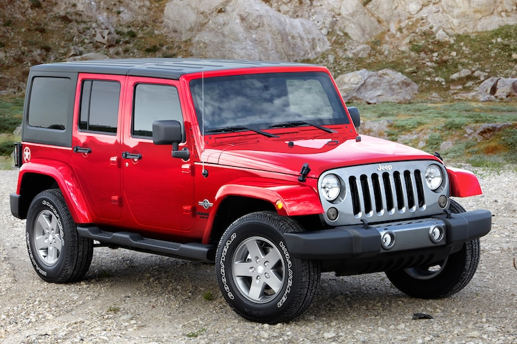 2015 Jee Wrangler Unlimited Freedom Edition Front Three Quarters