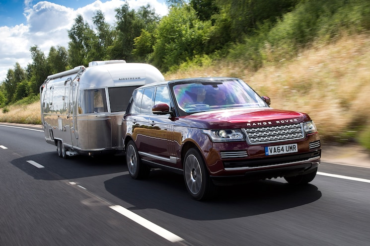 "Land Rover Showcases ""Transparent Trailer"" Concept"