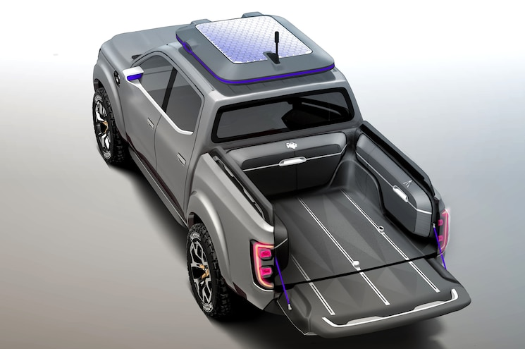 Renault Alaskan Concept Rear Three Quarter 1